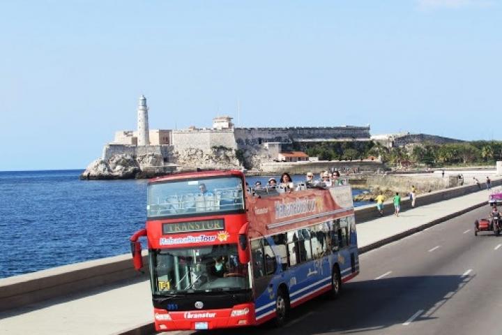 bus-turistico-rn-habana-con-vista-panoramica.-traslados-en-cuba