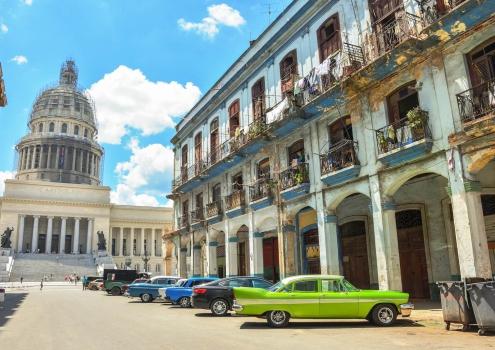 El Capitolio met oldtimers in Havana Cuba