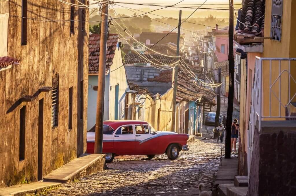 Circuito Cuba. Oldtimer Trinidad