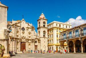 La Plaza de la Catedral en la Habana Vieja. Cosas que ver y hacer en Cuba