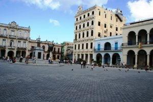 La Plaza Vieja. Cosas que ver y hacer en La Habana Cuba