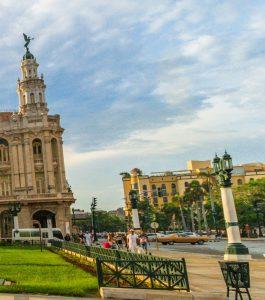 Vista desde el Capitolio hacia el Parque Central. Cosas que ver en La Habana. CubaNeo Travel